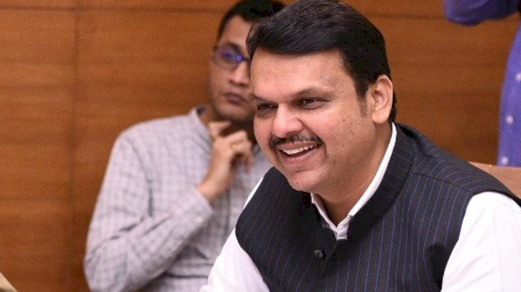 Fadnavis resigns, tears into Shiv Sena at fiery presser