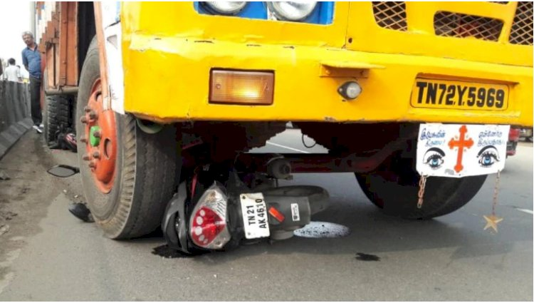 Woman commuter injured in accident caused by AIADMK flagpole