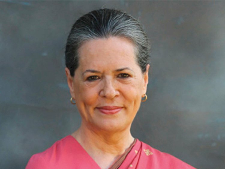 Sonia Gandhi gives signal to alliance with Shiv Sena
