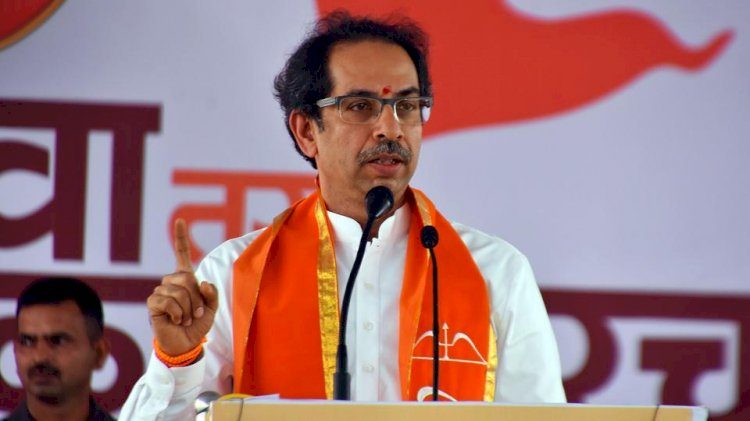 Maharashtra cabinet announced, Sena keeps Home, Urban Development