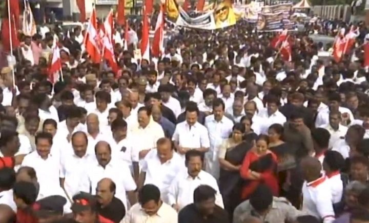 Cong and DMK  hold mega rallies in Tamil Nadu