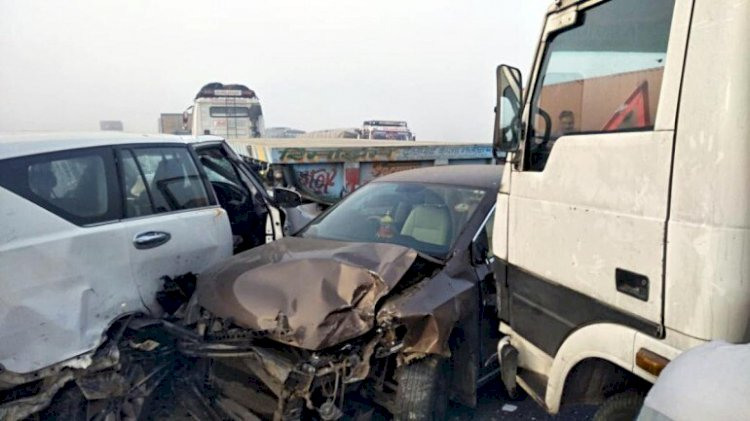 Several vehicles collide due to low visibility on NH-8 in Alwar Rajasthan