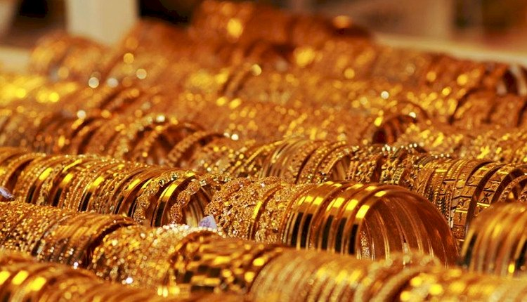 Gold prices hit lifetime high of Rs 41,730 per 10 gm