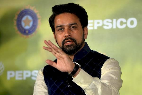 Congress, Sena blows hard against Anurag Thakur's desh ke gaddaro ko slogan