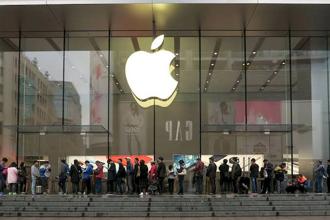 Apple closes stores, offices in China as Coronavirus spreads