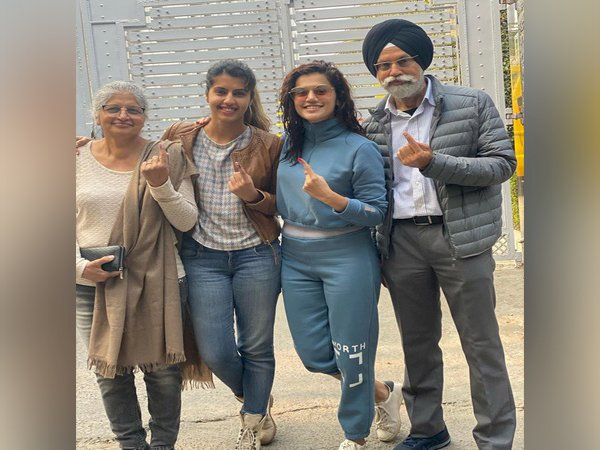 Delhi Election 2020 : Tapsee Pannu casts her  vote with Family