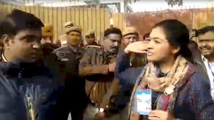 Congress MLA Alka Lamba tries to slap AAP worker at polling booth over comment on her son