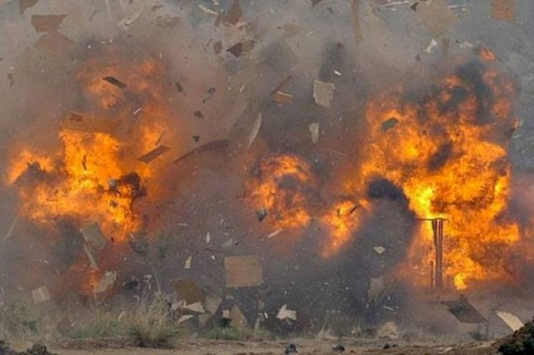Bomb explodes at Lucknow court several lawyers injured