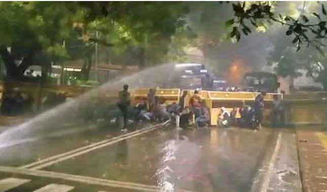 JNU, Jamia Students Protest Near Arvind Kejriwal's Home, Water Cannons Used