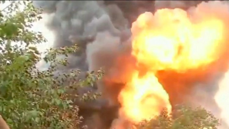 Tamil Nadu: Fire breaks out at oil warehouse in Madhavaram area
