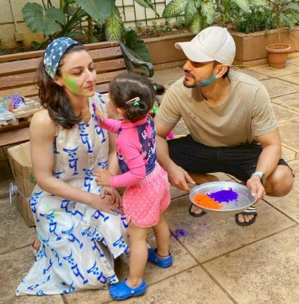 See Inside Pictures of Bollywood celebs children's HOLI