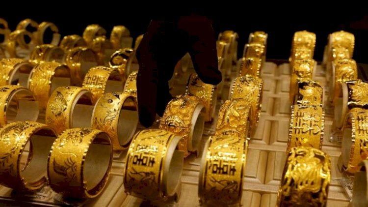 Yellow metal off from highs; likely to trade in Rs 43,000-43,650 range