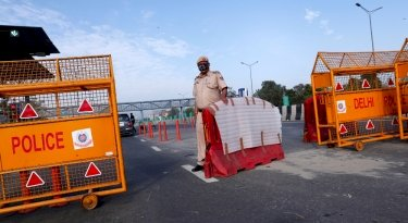 96 FIRs, 2,000 challans issued for flouting lockdown in Noida