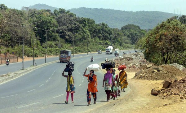Checkposts set up to screen in-bound migrant workers in Tamil Nadu district