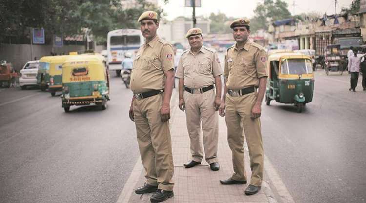 Over 450 police personnel test Covid-19 positive in Maharashtra