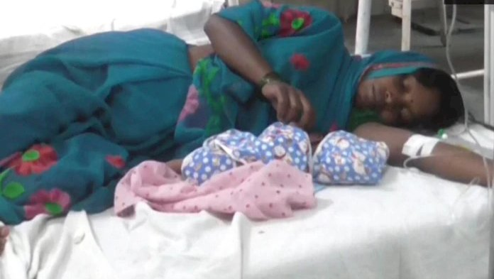 Pregnant migrant labourer delivers baby while walking home, walks another 150 km after delivery