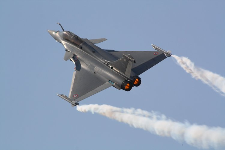 Amid tensions along Pakistan and China borders, four Rafale fighters to arrive in India by July-end