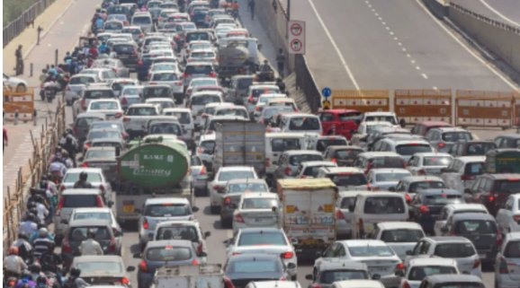 Public transport resumes in Delhi, strict social distancing norms in place