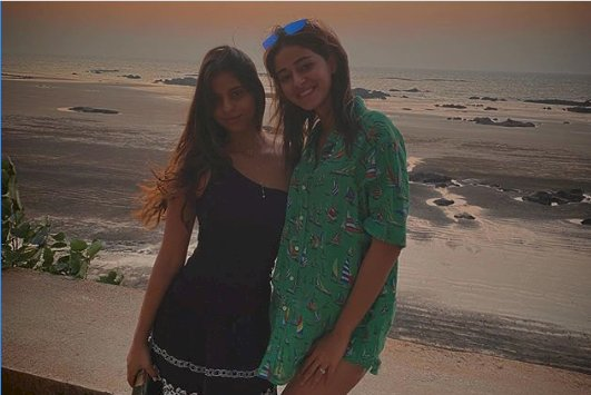 On Suhana Khan's birthday, BFF Ananya Panday wishes with an unseen throwback pic!