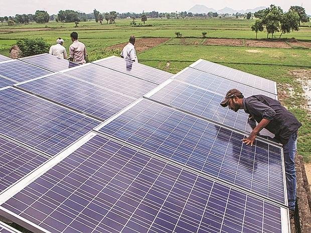 Adani Green to invest Rs 45,000 Crore to Build mega Solar Project