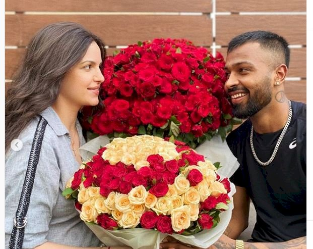 Hardik Pandya surprises Natasa Stankovic with roses, she says 'you will forever be my always'