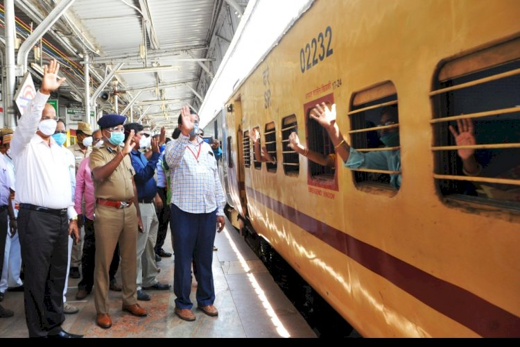 100th Shramik special train leaves Pune carrying 682 migrants