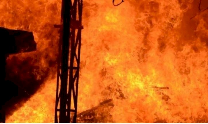 Fire at garage in Pune, 10 four-wheelers gutted