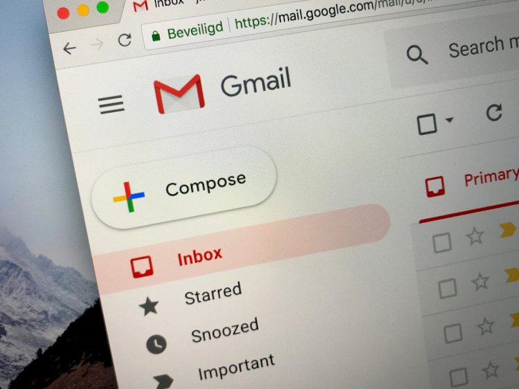 Gmail down, many users can't log in or send emails