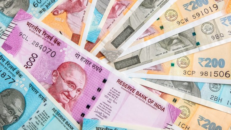 Indian rupee settles  down at 5 paise higher at 73.55 against US dollar
