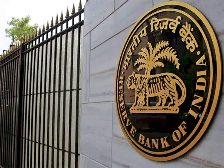 RBI has sufficient forex reserves again
