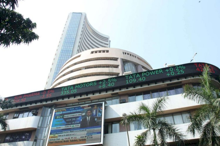 Market Opens :Sensex is up 401.27 points