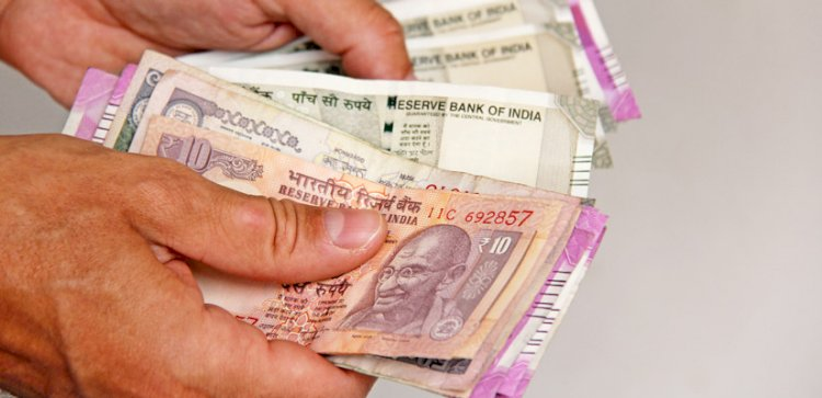 Rupee rises 12 paise to 73.37 against US dollar in early trade