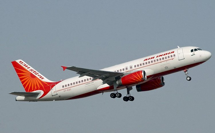 Tata Sons in talks with Singapore Airlines for joint Air India bid via Vistara