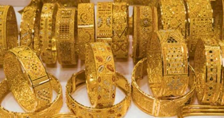 Gold metal trades above Rs 49,200, may face resistance near 49,330